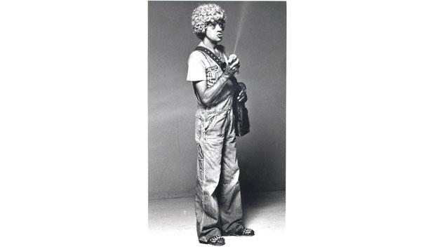 Ainda incipiente no Brasil, a televisão contou com o talento de Chico Anysio nos anos 60 para alavancar a audiência. Na foto, vestido para o programa Chico Anysio Show, da TV Rio<br>